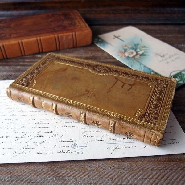 1912年の革のミサ本(祈祷書) - Eggplant