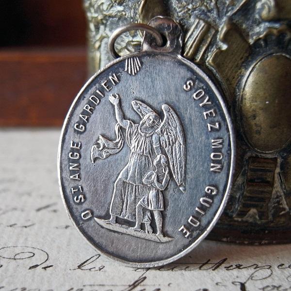 画像1: 守護天使ガーディアンのシルバーメダイ