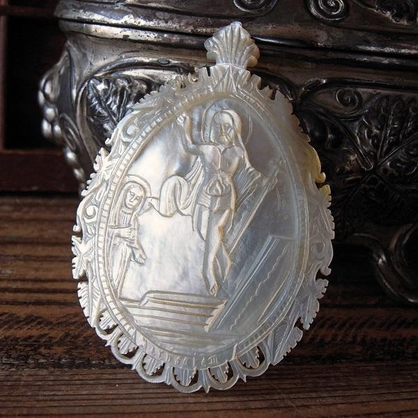 画像1: キリストの復活のマザーオブパールメダイ