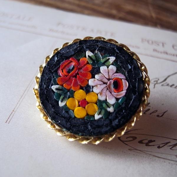 画像1: マイクロモザイクのお花のブローチ