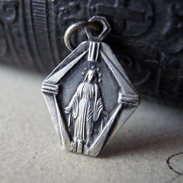 画像1: 聖母のメダイ