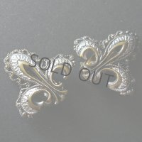 ユリの紋章のイヤリング