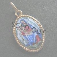 エナメル絵付けの聖母子のメダイ