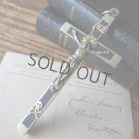 ドクロ付きの聖職者の十字架