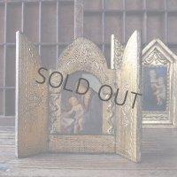 書物の聖母の扉付き祭壇