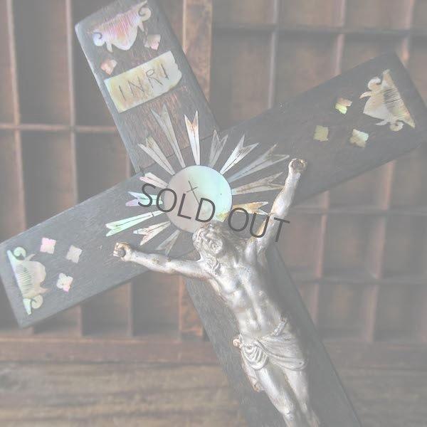 画像1: マザーオブパールが埋め込まれた十字架