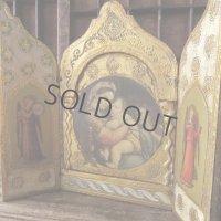 小椅子の聖母の扉付き祭壇