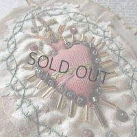 イエスの御心のシルク製手刺繍メダイユ