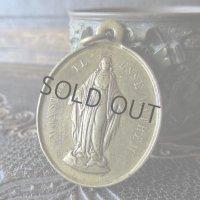 聖母マリアの信心会の真鍮製メダイ