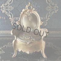 アール・ヌーヴォーの椅子の宝石箱