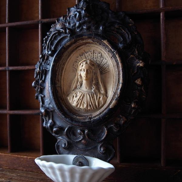 画像1: 木製の聖母マリアの聖水盤