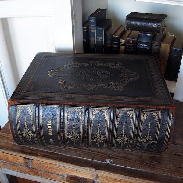 画像1: 旧・新約聖書(特大サイズ)