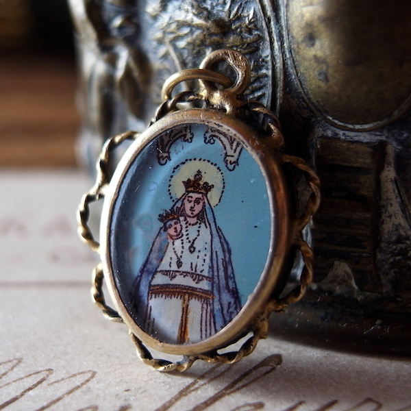 画像1: 黒い聖母のヴェルメイユのメダイ