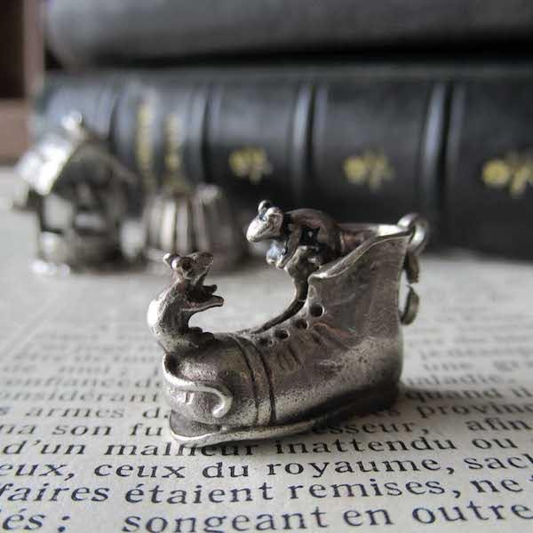 画像1: ブーツとネズミたちのシルバーチャーム(NUVO社)