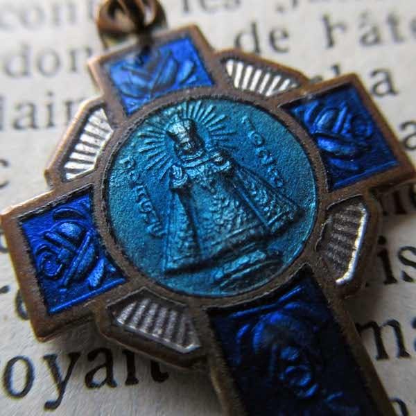 画像1: プラハの幼子イエスのクロス型メダイ