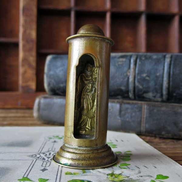 画像1: 小さな廟の聖母子像