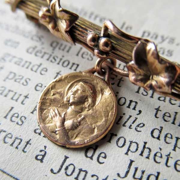 画像1: 聖ジャンヌダルクのメダイ付きブローチ(ORIA)