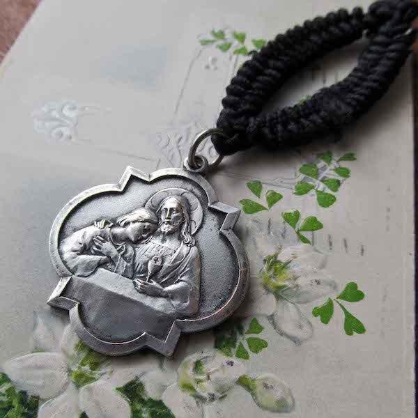 画像1: キリストと使徒ヨハネのメダイ