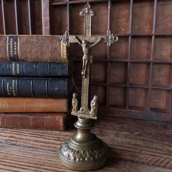 画像1: 二人の聖マリアの卓上十字架