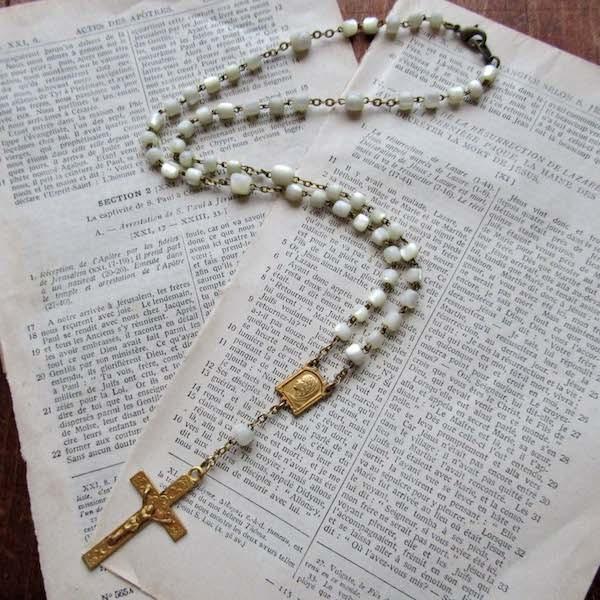 画像1: マザーオブパールのロザリオネックレス