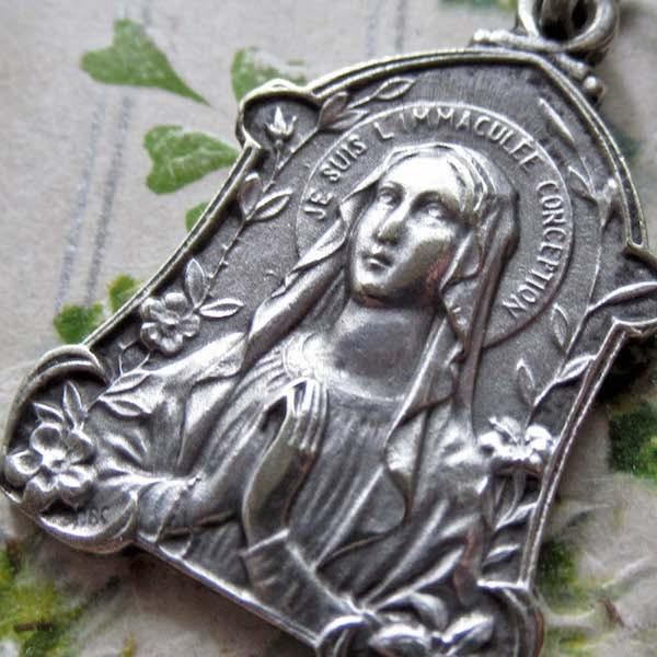 画像1: ルルドの聖母マリアのメダイa