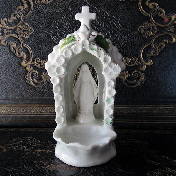 画像1: 白磁の聖廟の聖母マリア像