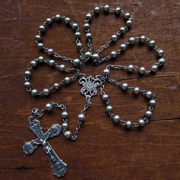 画像: 聖家族のクロスのシルバーロザリオ