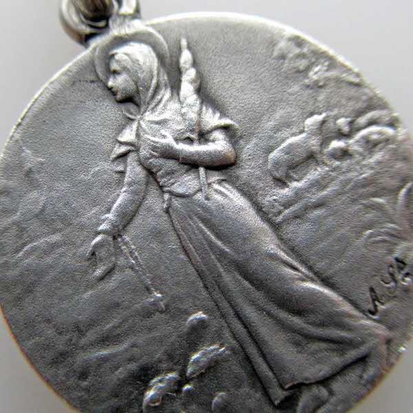 画像1: 聖女ジュヌヴィエーヴのシルバーメダイ