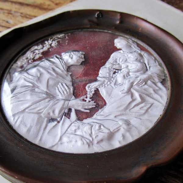 画像: 聖母子と聖人のガラスフレーム