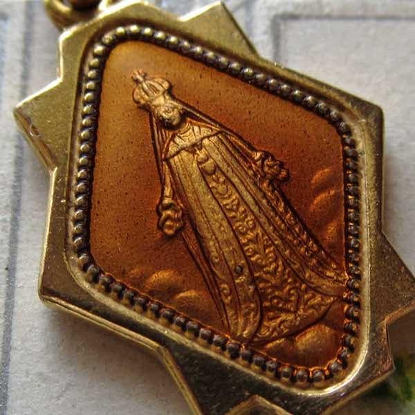 画像: アフリカの聖母のエナメルメダイ