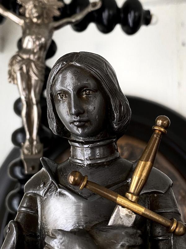 画像: 聖ジャンヌダルク像