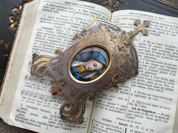 画像: 悲しみの聖母の祭壇(19世紀)